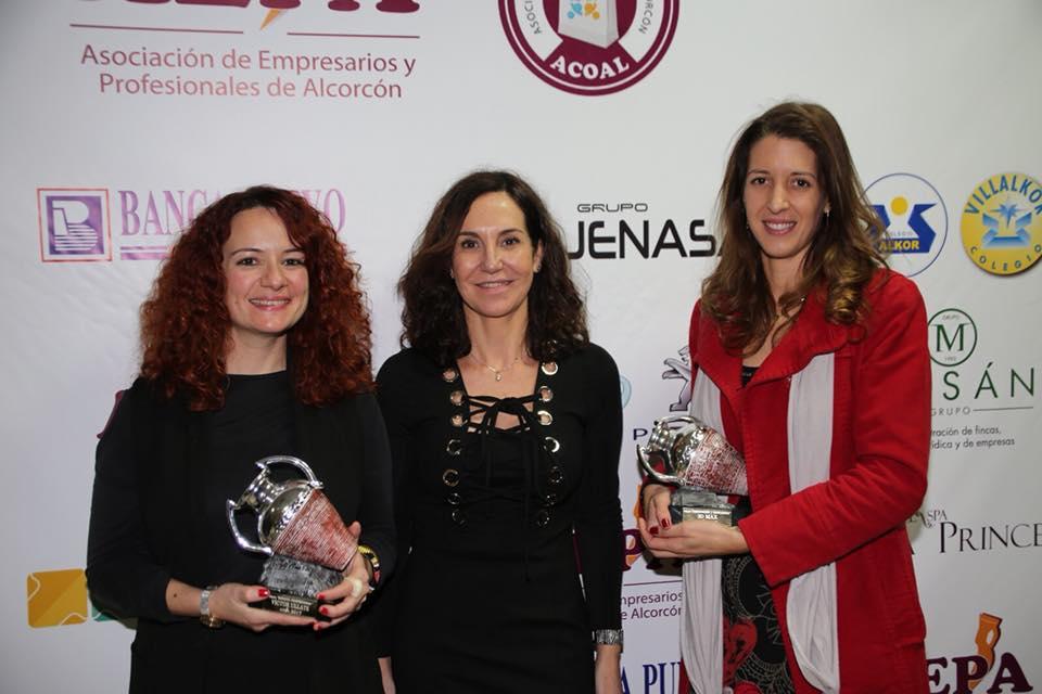 Ana Madrid Resines junto a la representante de la Fundación Victor Ullate